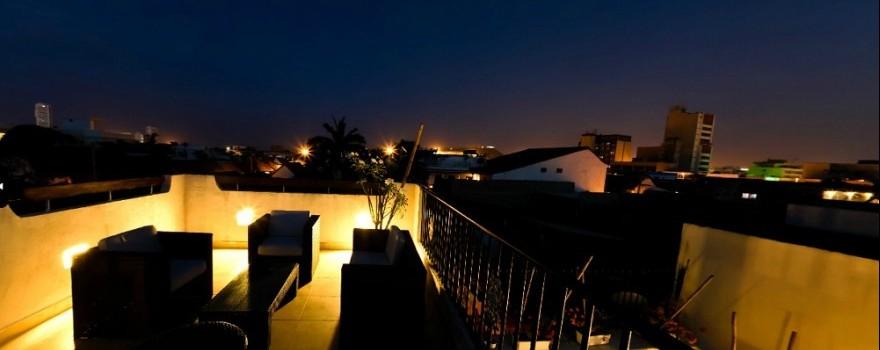 Terraza Vista nocturna  Fuente hotelcasalospuntuales com