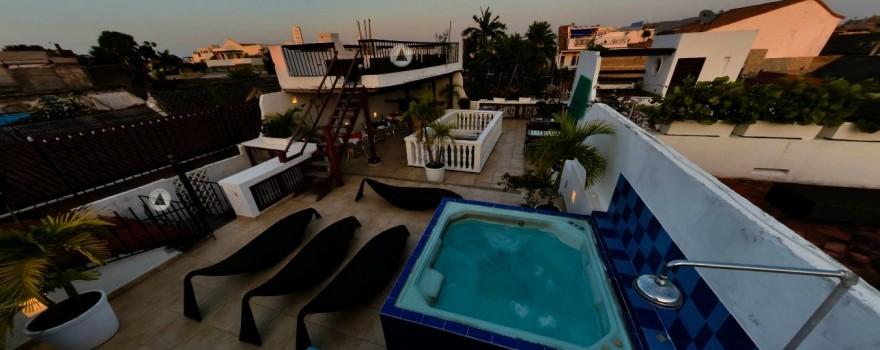 Terraza y Jacuzzi  Fuente hotelcasalospuntuales com